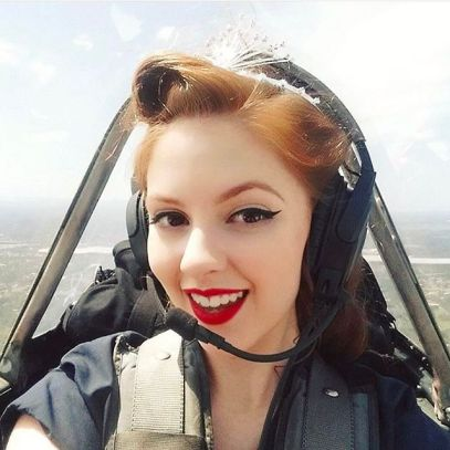 Miss Kelly - The Flying Pinup (Crown)